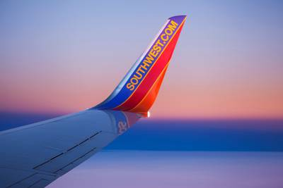 Southwest Airlines to give bonus pay to COVID-19 vaccinated employees
